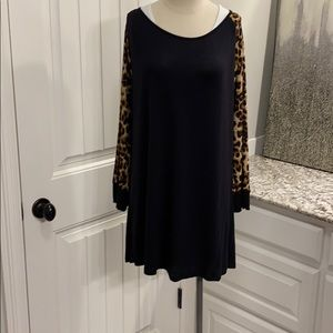 BLACK TUNIC WITH ANIMAL PRINT SLEEVES